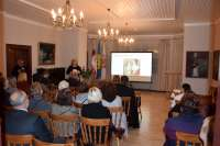 Knygą pristato jos sudarytoja Vytauto Didžiojo universiteto Švietimo akademijos  prof. dr. Ramune Šmigelskytė-Stukienė